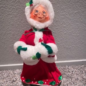 "2009 Annalee Doll 13"" Mrs.Claus"
